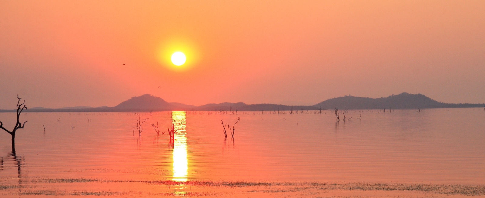 Afbeeldingsresultaat voor kariba lake
